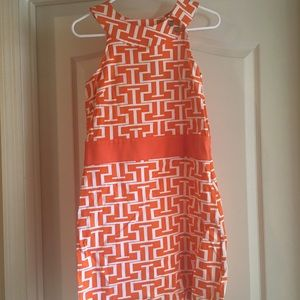 Orange and white geometric dress size M